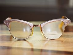 Buy eco-friendly sustainable eyewear from finest natural material from the COCO LENI™ - Created in Germany Vintage Accessoires, 1950s Art, Teddy Girl, Odd Stuff, Pink Cat, Etsy Crafts, Eye Glasses, Mad Men, School Projects