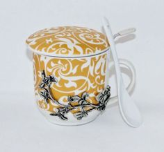 Création originale et artisanale exclusivité produit. http://www.boutique-etain.fr/service-tasse-a-the-3062-p.asp