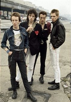 Love this black and white group photo of The Clash. | Music ...
