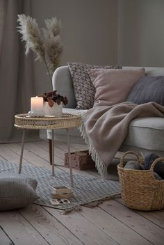 Little Prince Party: unpublished ideas to decorate with the theme - Home Fashion Trend Little Prince Party, Porch Welcome Sign, Hanging Fabric, Chaise Vintage, Moving Furniture, Hygge Home, Colourful Cushions, Decoration, Seasonal Decor