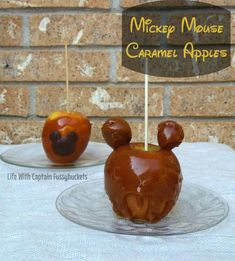 Make these yummy, adorable Mickey Mouse caramel apples to celebrate fall! They would be a hit at any Halloween party! Disney's Halloween Treat, Disney Halloween, Desserts, Disney Fun, Disney Travel, Food Themes, Food Ideas, Homemade Baby Foods, Dessert