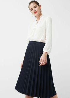 Blusa plumetti Mango 23€ Falda plisada marino