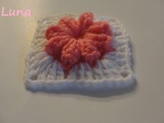 Granny Popcorn Stitch Flower Square - pictorial and English/Spanish instructions - This one is adorable!