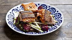This healthy and filling salad (beetroot, apple, lentils and salmon) won't leave you needing a post-lunch snooze.