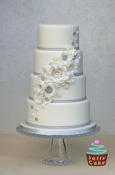 Winter wedding cake with pearl flowers
