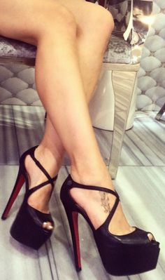 Unique, sexy high heels with an open toe will create your fashion look for the night. These 6 inch killer heels, are handcrafted to fit ideally and are incredibly comfortable despite of the height. Ou