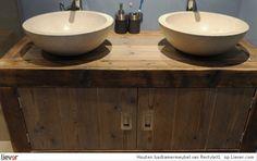 Mooie houten wastafel, op maat te maken. Door Liswet
