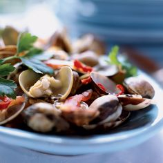 The clams used in Sicily for this dish are tiny vongole veraci. American littleneck clams are too sandy and tough to use here, but the small ridged clams called cockles are perfect. Plus: More Appetizer Recipes and Tips Clam Recipes, Spicy Recipes, Wine Recipes, Seafood Recipes, Appetizer Recipes, Great Recipes, Cooking Recipes, Healthy Recipes, Healthy Food