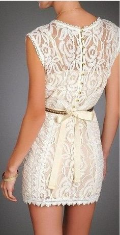 this dress has so much vintage and class to it!! Fashion is a big part of our world today and this dress makes todays fashion 100% better