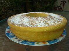 Lemon cake with glas sugar / rosco de limon con azucar glas.