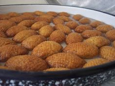 Turkish Walnut Cookies… actually delicious – About Sweets Dog Food Recipes, Keto Recipes, Dessert Recipes, Desserts, Cheesecake Pops, Turkish Sweets, Turkish Cookies, Walnut Cookies, Sweets Cake