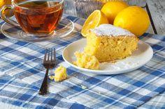 La torta 5 minuti al limone è un dolce facilissimo e molto veloce da preparare. Ecco la ricetta ed alcuni consigli utili