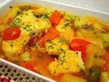 Peixe-ensopado  (não usar o molho de tomate e a batata - ou usar a batata para a galera, mas não comer)  http://gshow.globo.com/receitas/peixe-ensopado-535048aa4d38854185000046