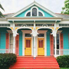 Laura Steffen Photographs New Orleans Homes - Colorful New Orleans Homes Exterior Paint Colors, Exterior House Colors, Modern Exterior, Interior And Exterior, Porches, Villas, Shotgun House, Colourful Buildings, Colorful Houses