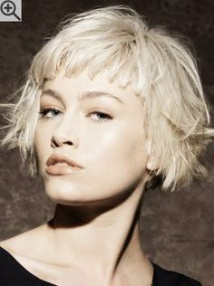 Short bob hairstyles with bangs this year are easily about celebrating the best looks of latest short bob haircuts for ladies. Super Short Bobs, Short Bobs With Bangs, Short Choppy Hair, Short Hair Cuts, Short Hair Styles, Very Short Bob, Choppy Bob With Fringe, Very Short Bangs, Blonde Bob With Bangs