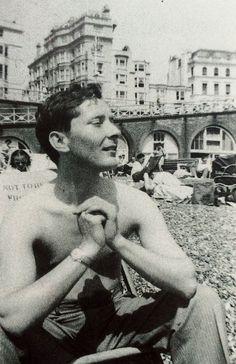 Kenneth Williams on Brighton Beach 1957 Brighton England, Brighton Sussex, Brighton And Hove, Brighton Rock, British Comedy, British Actors, Sidney James, Kenneth Williams, East Street
