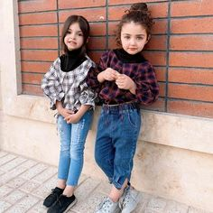 New Fashion : Cuty Anahita Maryam Cute Baby Couple, Cute Little Baby Girl, Cute Baby Girl Wallpaper, Cute Babies Photography, Children Photography, Cute Baby Girl Pictures, Baby Boy Outfits, Kids Fashion, Like4like