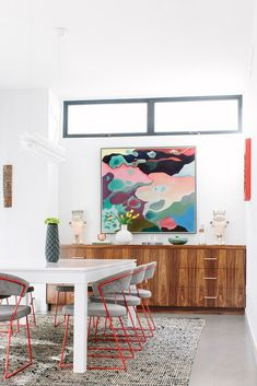 incredible use of color in the dining room