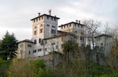 Castello di Cassacco - Italia B&B Stop&Sleep Fagagna #friuli #italy #travel #castle #hills