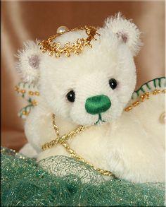 Christmas Kisses created by Paula Carter  www.allbear.co.uk    Bearing All  #teddy bear  #Christmas