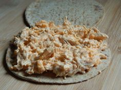 Buffalo chicken grilled sandwich on flatout fold it: 1oz cooked chicken, 1TBSP light cream cheese, 1TBSP shredded cheese, 1/2TBSP light ranch dressing, 1TBSP franks hot sauce. Mix, spread & grill with some cooking spray. 5pp!