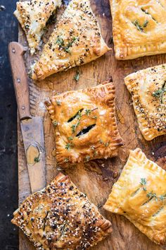 Caramelized Onion, Spinach, and Cheddar Flaky Pastries : halfbakedharvest Appetizers For Party, Appetizer Recipes, Fingers Food, Vegetarian Recipes, Cooking Recipes, Cooking Food, Nye Recipes, Cooking Cheese, Cheese Pastry