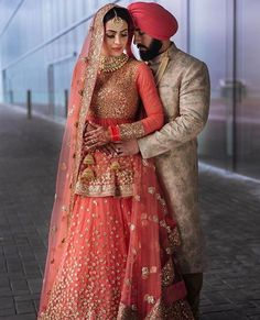 Most Beautiful Bridal Lehenga couple punjabi Sikh Wedding Dress, Punjabi Wedding Suit, Punjabi Bride, Dream Wedding Dresses, Bridal Dresses, Punjabi Couple, Lehenga Wedding, Punjabi Suits, Indian Bridal Outfits