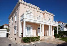 REF:07473 - Excepcional: Villa de lujo estilo colonial en primera línea de mar Sitges