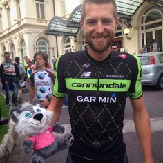 @fizikofficial . @ryder_hesjedal @RideArgyle smiling at the teams presentation