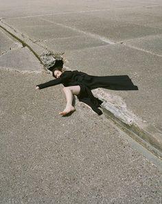 HART LËSHKINA is a visual art, photography and director duo Creative Photography, Editorial Photography, Street Photography, Portrait Photography, Fashion Photography, Story Instagram, Photo Instagram, Photos Corps, Kreative Portraits