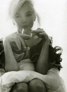 """Marilyn Monroe, part of the collection """"Last Sitting"""" taken a few months before her death. Photographer Bert Stern"""