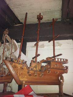 barco de madera que se encuentra en la Hacienda Enriqueta