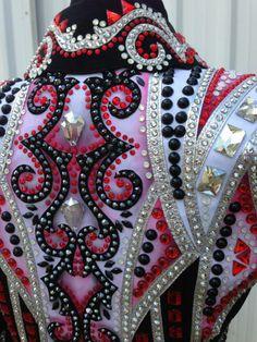 Конный спорт. Расклейка по орнаменту. Подойдет для декора мужских костюмов.