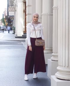 Ideas Style Vestimentaire Femme Robe For 2019 Hijab Casual, Ootd Hijab, Hijab Dress, Modern Hijab Fashion, Muslim Fashion, Modest Fashion, Fashion Outfits, Modest Dresses, Modest Outfits