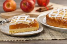 Omlós tésztájú almás, pudingos pite: a krémes réteg valami fenséges - Recept   Femina Quiche, Tart, Waffles, Sweet Treats, Cheesecake, Pie, Breakfast, Minden, Food