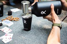 Nós já explicamos sobre a utilidade e praticidade dos #growlers,além de indicar alguns #brewpubsna cidade de #RibeirãoPretoque os aceitam. Levar #cervejaartesanal para casa é tudo de bom! Se você é apaixonado por #cerveja com certeza já deve ter um, e se não tem, não sabe o que está perdendo. >>>Porque você deveria experimentar mais rótulos desconhecidos >>>Como despejar uma cerveja de trigo Porém nem tudo são flores.
