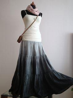 9d7caeabe965 Tak trochu nenápadně  )...dlouhá hedvábná sukně (bez spodničky)   Zboží  prodejce laduse