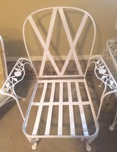 Woodard Vintage White Wrought Iron Chantilly Rose Pattern Patio Chair