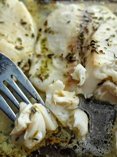 The Cooking Actress: Baked Lemon-Thyme Tilapia. A quick, easy, and healthy fish recipe that's perfect for dinner!