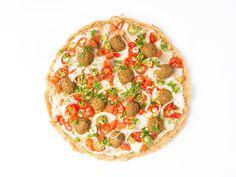 Quinoa-Pizza mit Falafel