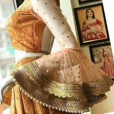 flair at the lower arm, classy look but also fanvy Netted Blouse Designs, Fancy Blouse Designs, Blouse Neck Designs, Kurti Sleeves Design, Sleeves Designs For Dresses, Sleeve Designs, Stylish Blouse Design, Stylish Dress Designs, Stylish Dresses