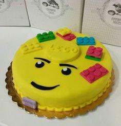 Η απλότητα είναι όμορφη! Duplo lego για τα πρώτα γενέθλια ενός πιτσιρικά! #duplolego #duplo #lego #legocake #bezelicious #skg #thessaloniki