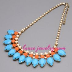 Shiny necklace with different color resin beads decoration