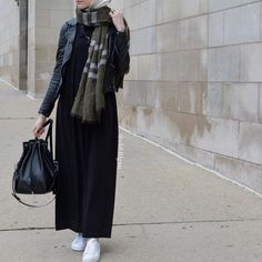 Hijab Styles 841047299133676384 - Source by Modern Hijab Fashion, Street Hijab Fashion, Hijab Fashion Inspiration, Abaya Fashion, Muslim Fashion, Modest Fashion, Casual Hijab Outfit, Hijab Chic, Mode Outfits