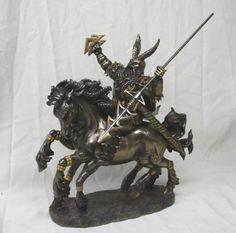 Norse-Mythology-Chief-Viking-Odin-Entering-Valhalla-on-Sleipnir-Statue-Figurine