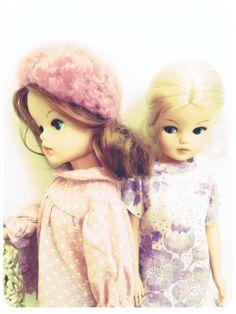 AvMeg Beautiful Dolls, Elsa, Disney Characters, Fictional Characters, Disney Princess, Retro, Vintage, Cute Dolls, Vintage Comics