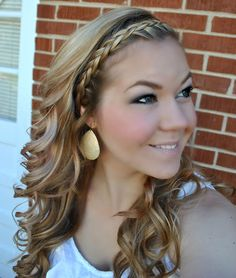 not for the wedding but I'd like to try it for girls night out or something! :)     curly braided tutorial