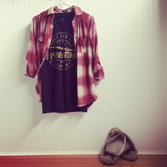 Cute & comfy! A plaid flannel is always a great thing to pair with your #Sevenly graphic tee :)