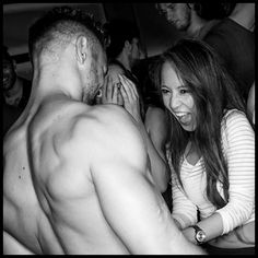 Trupa de Striperi Profesionisti Funky Boys va sta la dispozitie cu show-uri spectaculoase de striptease masculin pentru petrecerea burlacitelor, majorat, aniversare, petrecere - surpriza, 8 Martie etc. Rezervati acum striperii Funky Boys pentru a organiza evenimente memorabile dedicate celor dragi. Detalii pe http://www.striperi.ro sau la 0767-773-473