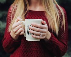 How to Take the Perfect Engagement Ring Selfie Star Jewelry, Jewelry Rings, Perfect Engagement Ring, Engagement Rings, Engagement Session, Marriage Is Hard, Wedding Ring Styles, Coffee Photos, Beautiful Wedding Rings